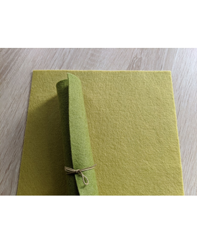 Feutrine pure laine vert tilleul coupon 20 X 30