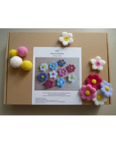 Kit voor het maken van gekaarde wollen bloemen