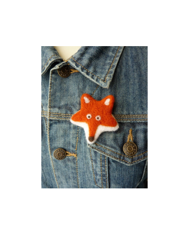 Carded wool fox brooch kit