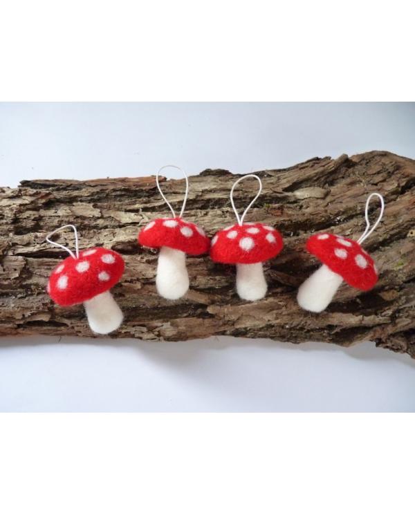 Kit champignons amanites feutrés en laine cardée