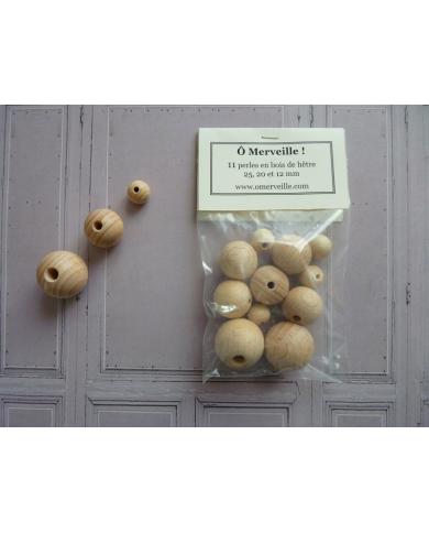 Bag of 11 beech wood beads