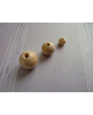 Bag of 11 beech wood beads