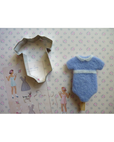 Big baby bodysuit cookie cutter