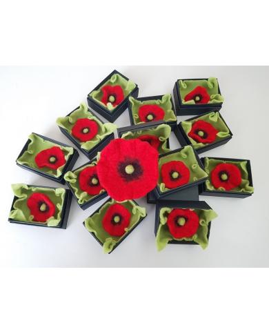 Vilten poppy broche