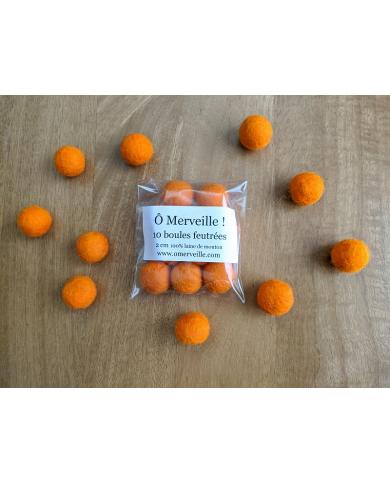 10 perles feutrées coloris orange 2 cm
